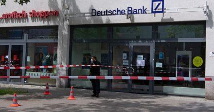 Gestern versuchten zwei Täter eine Bank in Berlin zu überfallen. Beute machten sie dabei keine.