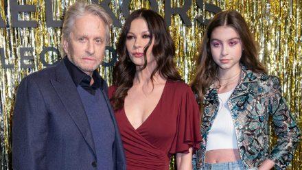 Michael Douglas mit Catherine Zeta-Jones und Tochter Carys (re.) (jom/spot)