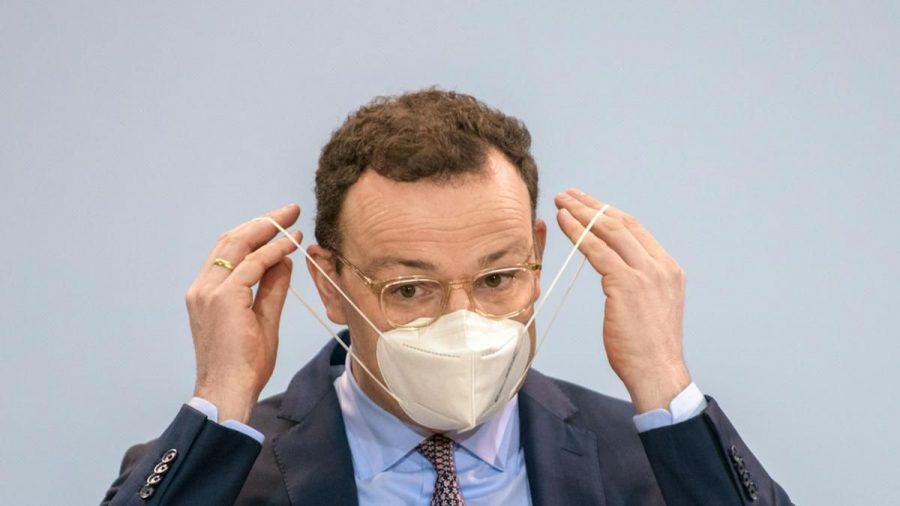 """Jens Spahn hat sich """"bewusst"""" für eine AstraZeneca-Impfung entschieden. (tae/spot)"""