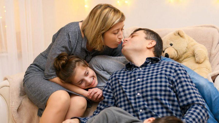 Familienzeit ist wichtig, aber Mama und Papa sollten auch Zeit für sich haben. (sob/spot)