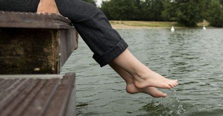 Urlaub am Wasser ist für viele ein Traum. Doch wer sein fest verankertes Hausboot zur Vermieteung anbietet, braucht unter Umständen eine Baugenehmigung.