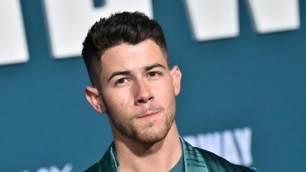 Nick Jonas kennt sich mit Sportverletzungen aus (rto/spot)