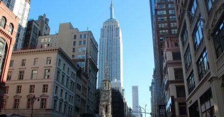 Der zum Zeitpunkt seiner Eröffnung höchste Wolkenkratzer der Welt wird am am 1. Mai 90 Jahre alt.