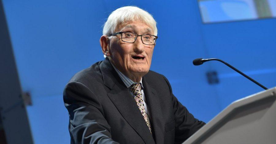 Der Philosoph Jürgen Habermas (91) hat die Annahme eines hoch dotierten Buchpreises aus den Vereinigten Arabischen Emiraten überdacht.