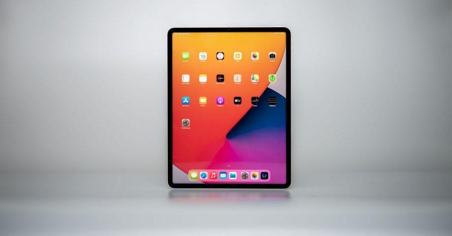 Ein Tablet für Profis: Das 12,9-Zoll-Modell startet bei 1199 Euro, das kleinere 11-Zoll-Gerät ist ab 879 Euro zu haben.