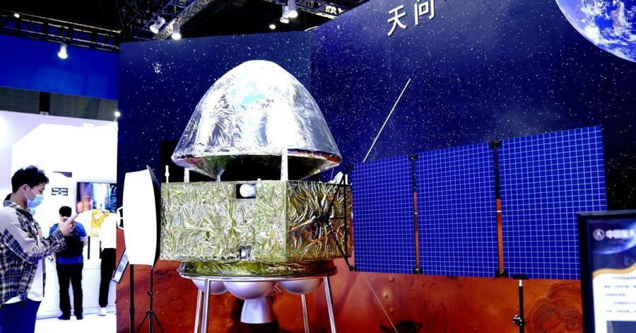 Modell der Marssonde Tianwen-1 bei der 22. Internationalen Industriemesse China International Industry Fair (CIIF) in Shanghai.