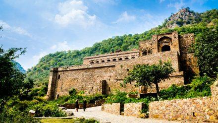 Die Ruinen von Bhangarh sollen verflucht sein. (amw/spot)