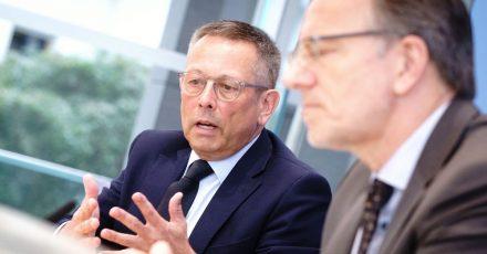 Holger Münch (r), Präsident des Bundeskriminalamts, und Johannes-Wilhelm Rörig, Bundesbeauftragter für Fragen des sexuellen Kindesmissbrauchs, in Berlin.