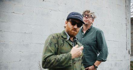 Dan Auerbach (l) und Patrick Carney sind The Black Keys.