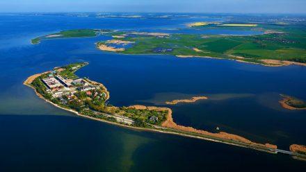 Auf der Insel Riems befindet sich das Friedrich-Loeffler-Institut. (amw/spot)