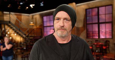Der Komiker Torsten Sträter nach eine Aufzeichnung im Studio.
