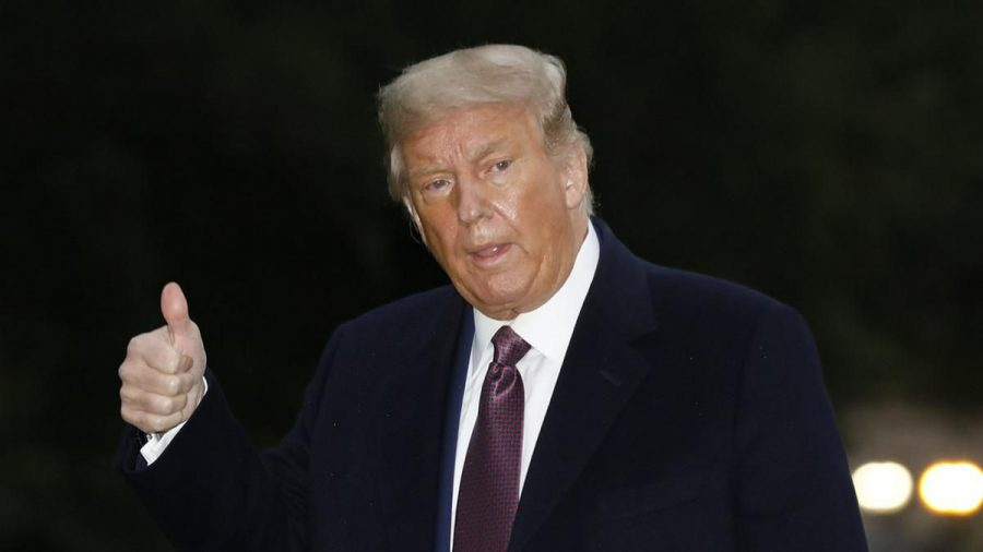 Meldet sich nach unfreiwilliger Abstinenz im Netz zurück: Donald Trump (stk/spot)
