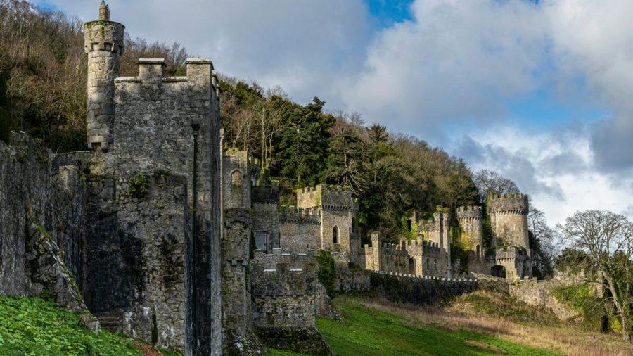 Die britische Ausgabe des Dschungelcamps wird wohl auch in diesem Jahr auf Gwrych Castle im Norden von Wales produziert werden. (rto/spot)