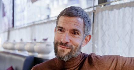 Der Journalist und Autor Micky Beisenherz hat sich mit dem Corona-Virus infiziert.