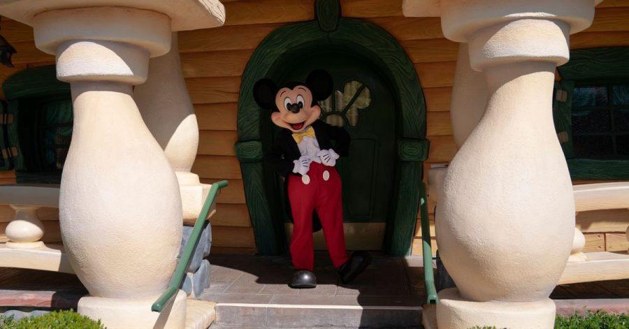 13 Monate lang war Disneyland in Kalifornien wegen der Corona-Pandemie zu, nun darf Mickey Mouse endlich wieder vor die Tür.