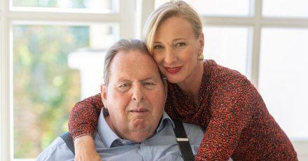 Ottfried Fischer und seine Ehefrau Simone 2019 in Passau.