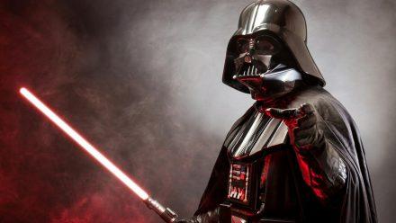 Sith oder Jedi? In den meisten Apps können sich Fans für eine Seite der Macht entscheiden. (elm/spot)