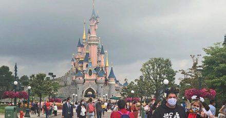 Europas meistbesuchter Freizeitpark will vier Monate nach seiner coronabedingten Schließung wieder teilweise für Besucherinnen und Besucher geöffnet.