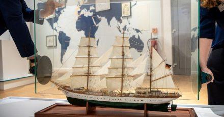 Ein Modell des Schiffes ist in der Sonderausstellung über das Segelschulschiff «Gorch Fock» zu sehen.