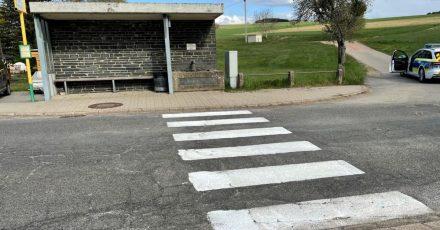 Der selbst gemalte Fußgängerüberweg in Bonerath.