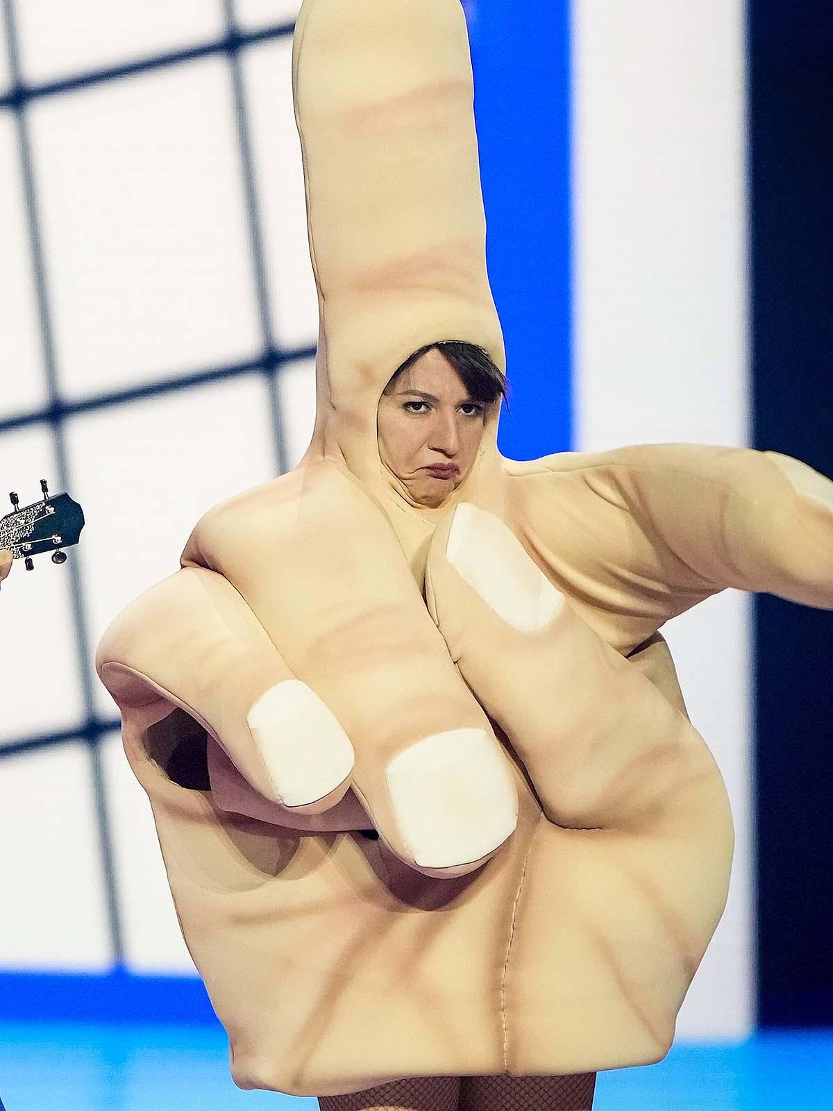 ESC: Pleitesänger Jendrik Sigwart zeigt seinen Kritikern den Mittelfinger