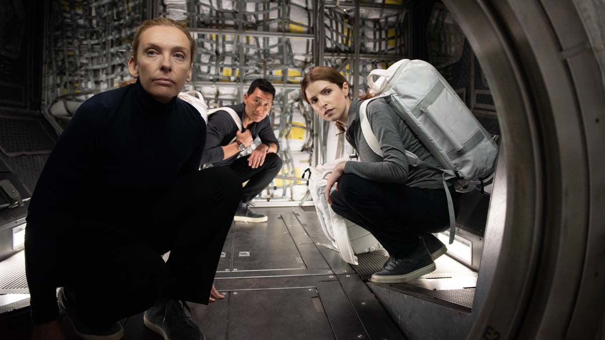 """endrick in the space thriller """"Stowaway"""": One too many on board"""