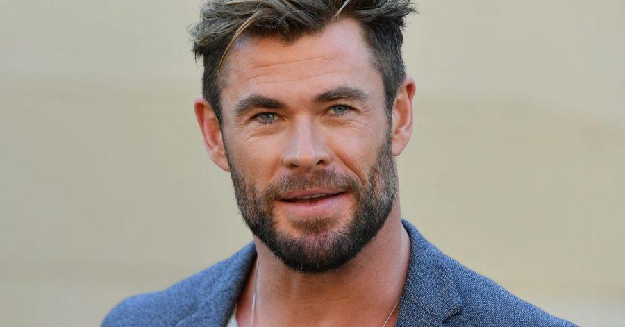 Schauspieler Chris Hemsworth bei einer Pressekonferenz. Der «Thor»-Darsteller hat das Ende der Dreharbeiten von «Thor: Love and Thunder» mit einem «super entspannten» Foto bekanntgegeben.