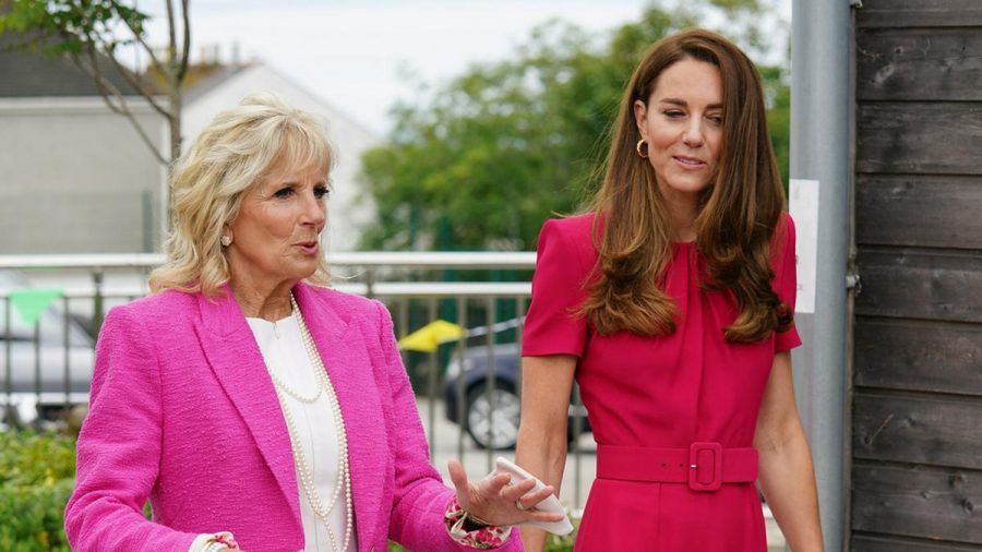 First Lady Jill Biden (l.) und Herzogin Kate bei ihrem ersten Treffen (wue/spot)