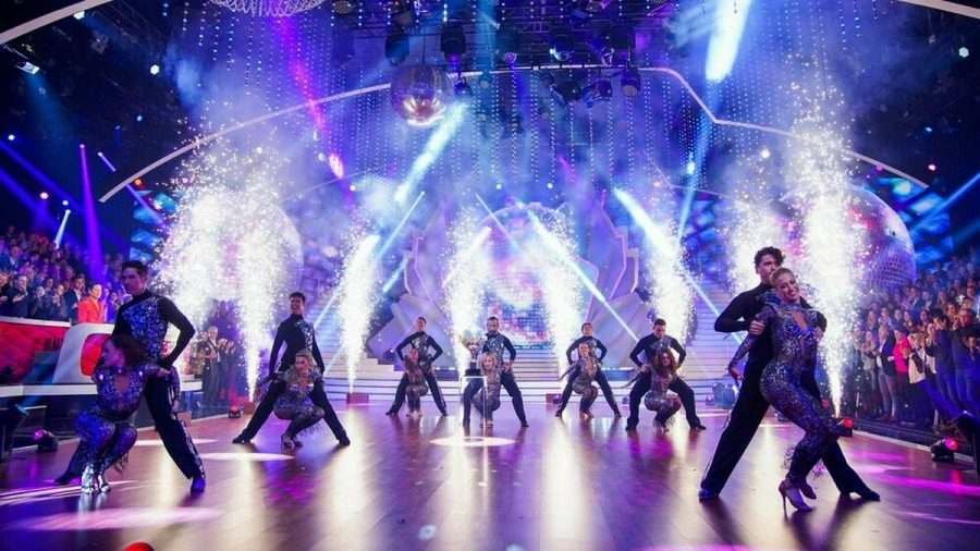 "Bei ""Let's Dance - Die große Profi-Challenge"" treten nur noch acht Paare an. (eee/spot)"