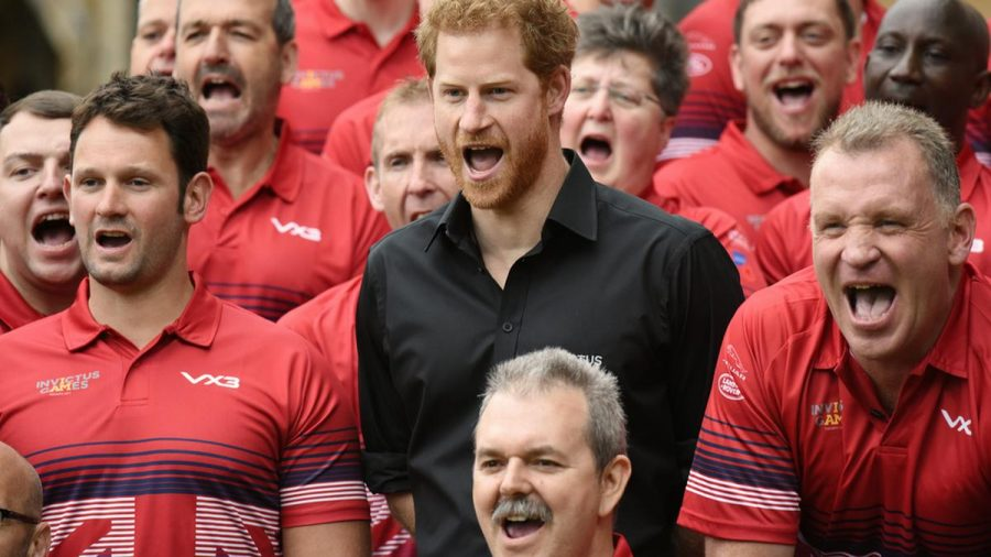 Prinz Harry (schwarzes Hemd) mit dem britischen Team für die Invictus Games im Jahr 2017 (wue/spot)