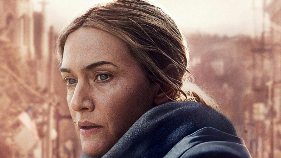 """Für die Falten um ihre Augen auf dem Promo-Poster für """"Mare of Easttown"""" hat Kate Winslet gekämpft. (mia/spot)"""