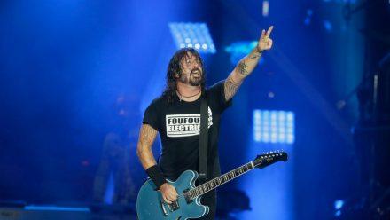 Sänger Dave Grohl mit den Foo Fighters bei einem Konzert in Brasilien 2019. (nra/spot)