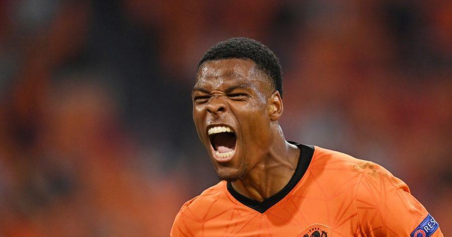 Fußball regierte den Fernsehabend - Denzel Dumfries von den Niederlanden feiert das zweite Tor seiner Mannschaft gegen Österreich.