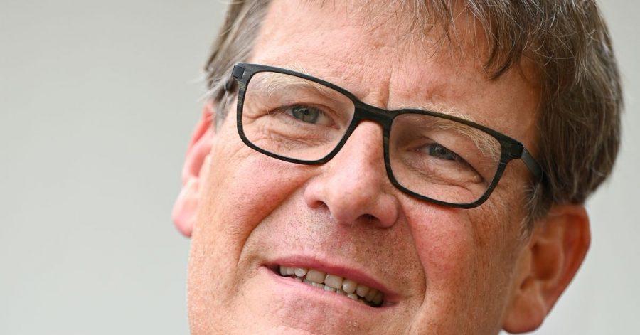 """Thomas Fuhrmann, Sportchef des ZDF, am Rande der Präsentation der """"sportstudio-Arena"""" auf dem ZDF-Gelände in Mainz-Lerchenberg."""