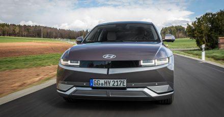 Mit einem neuartigem Design und innovativer E-Auto-Technik soll der Hyundai Ioniq 5 den MEB-Modellen von VW Kokurrenz machen.