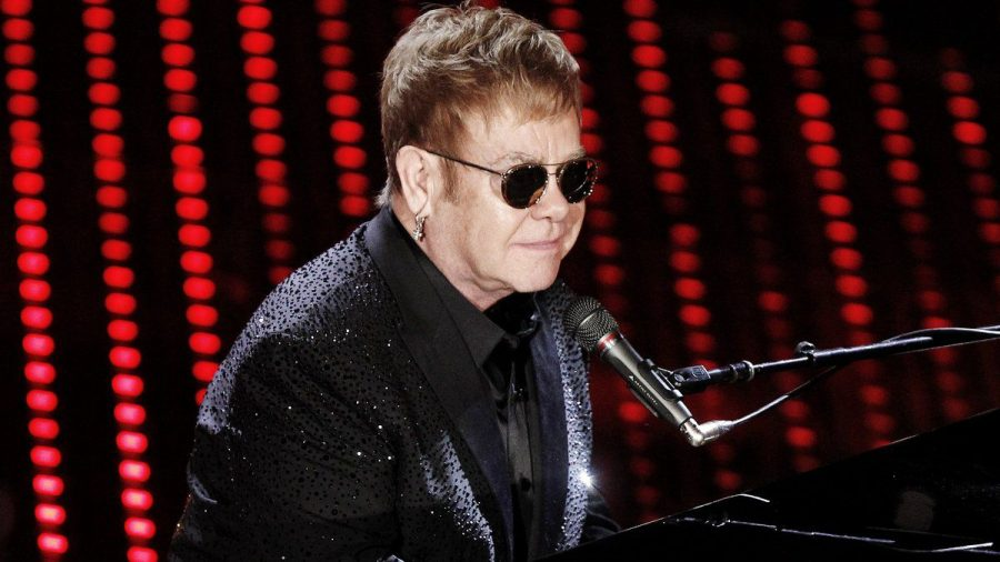 Elton John bei einem Konzert in Italien. (hub/spot)