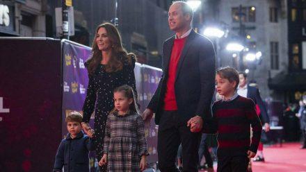 Herzogin Kate und Prinz William mit den Kindern Louis, Charlotte und George. (nra/spot)