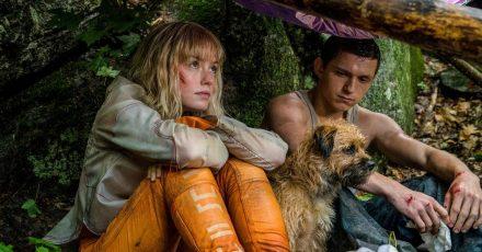 Viola Eade (Daisy Ridley) und Todd Hewitt (Tom Holland) auf der Flucht.