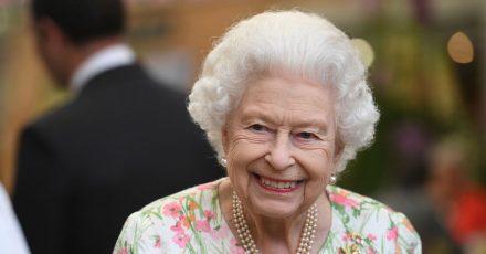 Gut gelaunt : Die britische Königin Elizabeth II. beim G7-Gipfel.