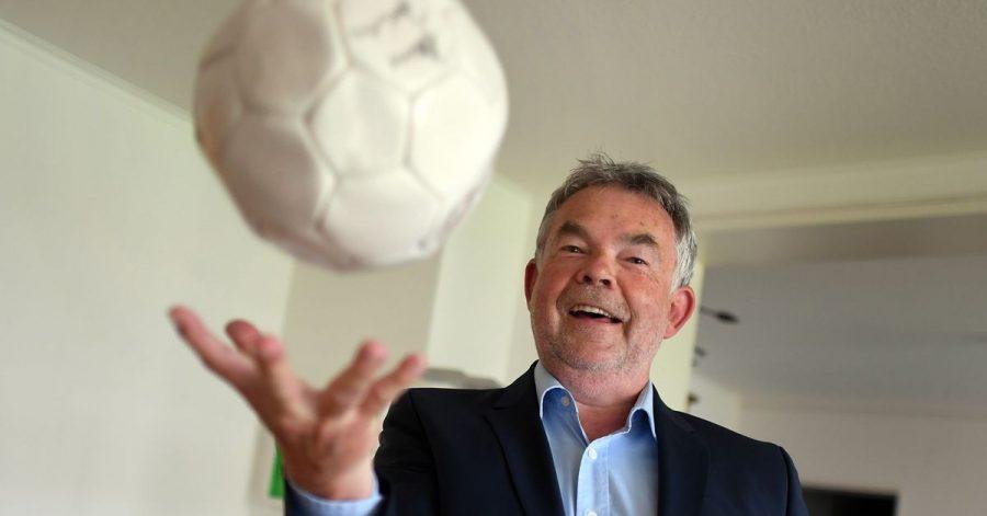 Ein Mann, der in sich ruht: Der Sportmoderator Manfred Breuckmann wird 70.