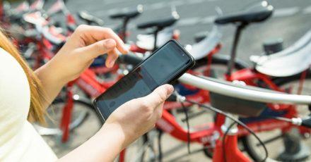 Praktisch und preisgünstig: Mal eben ein Fahrrad ausleihen. Doch wer zahlt, wenn ich einen Schaden am Rad oder einen Unfall verursache?