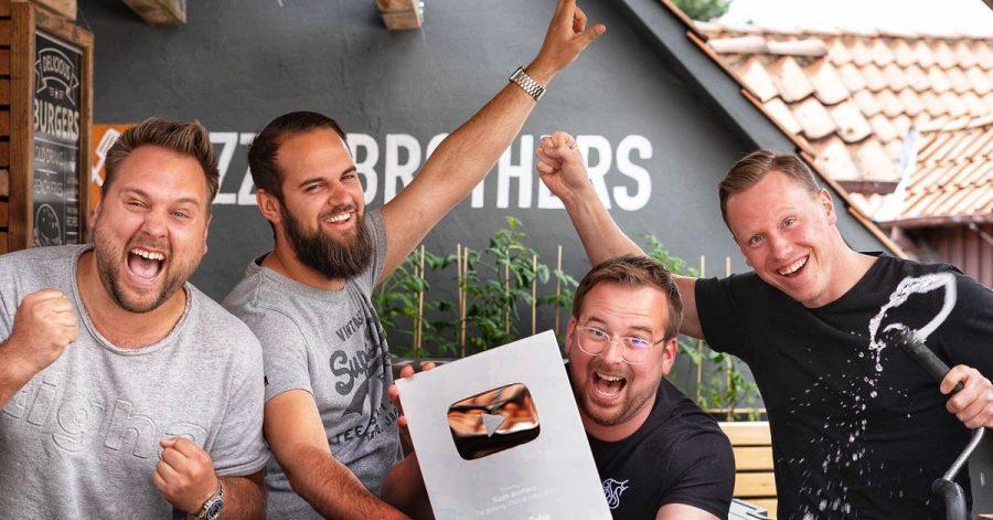 Auf Unterhaltung setzen die «Sizzle Brothers», Hannes, Julian, Corbinian und Alex mit ihrem BBQ-Podcast «Nice to meat you».
