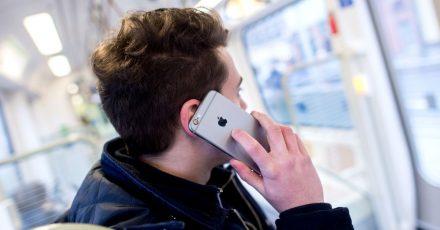Ein Gericht hat geurteilt: Unter bestimmten Umständen kann ein Handyvertrag länger als 24 Monate laufen.