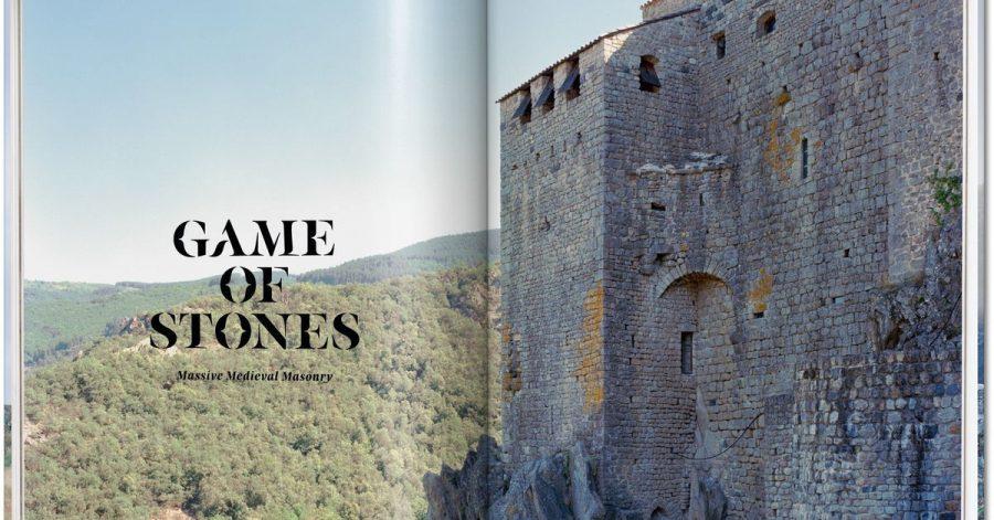 """Auszug auf dem Buch """"Stone Age. Ancient Castles of Europe"""" des französischen Fotografen Frederic Chaubin."""