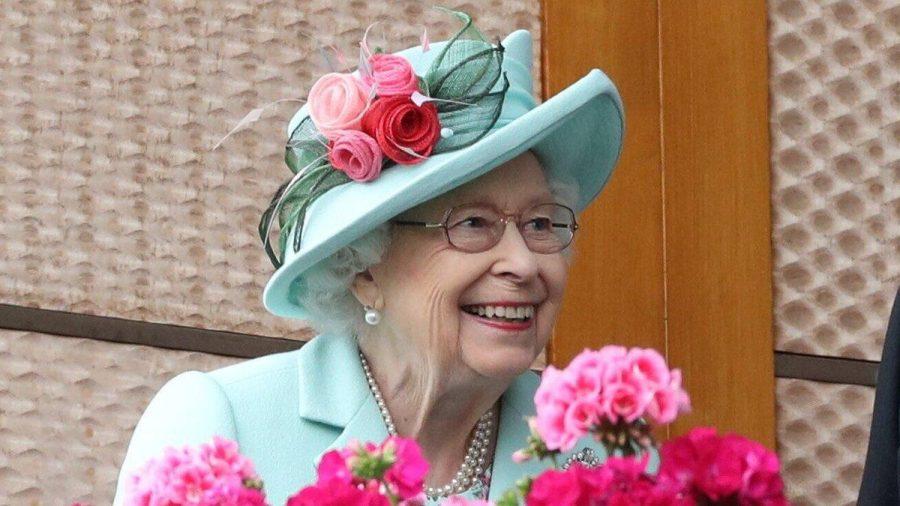 Am fünften Tag des Pferderennens Royal Ascot stand auch Queen Elizabeth II. an der Rennbahn. (ncz/spot)