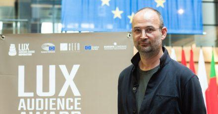 Regisseur Alexander Nanau bei der Bekanntgabe des Lux-Publikumspreises in Straßburg.