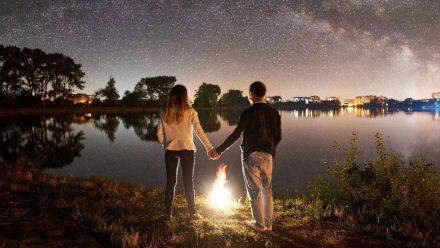 Direkt unter dem Sternenzelt campieren - gibt es etwas Schöneres? (kms/spot)