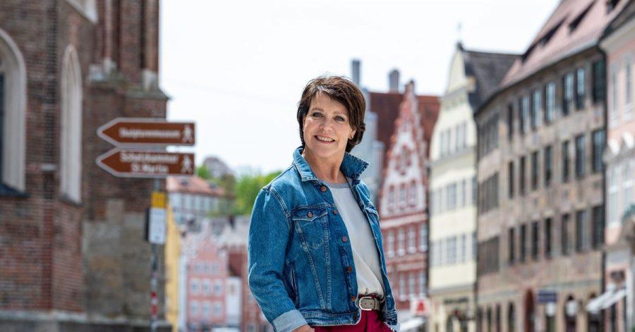 Janina Hartwig wird 60 - und freut sich auf die Zukunft.