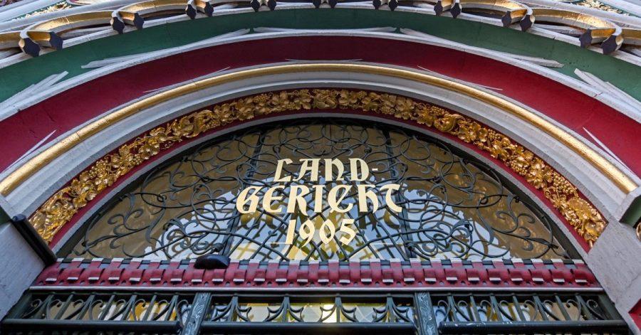 «Landgericht» steht über dem Eingang zum Landgericht Halle/Saale.