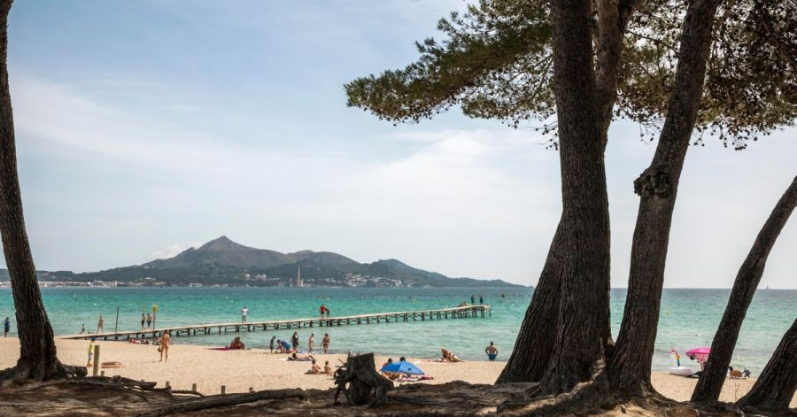 Tragischer Unfall auf der Ferieninsel Mallorca: Ein Junge aus Deutschland zog sich beim Sturz aus einemHotel schwere Verletzungen zu. (Symbolbild)